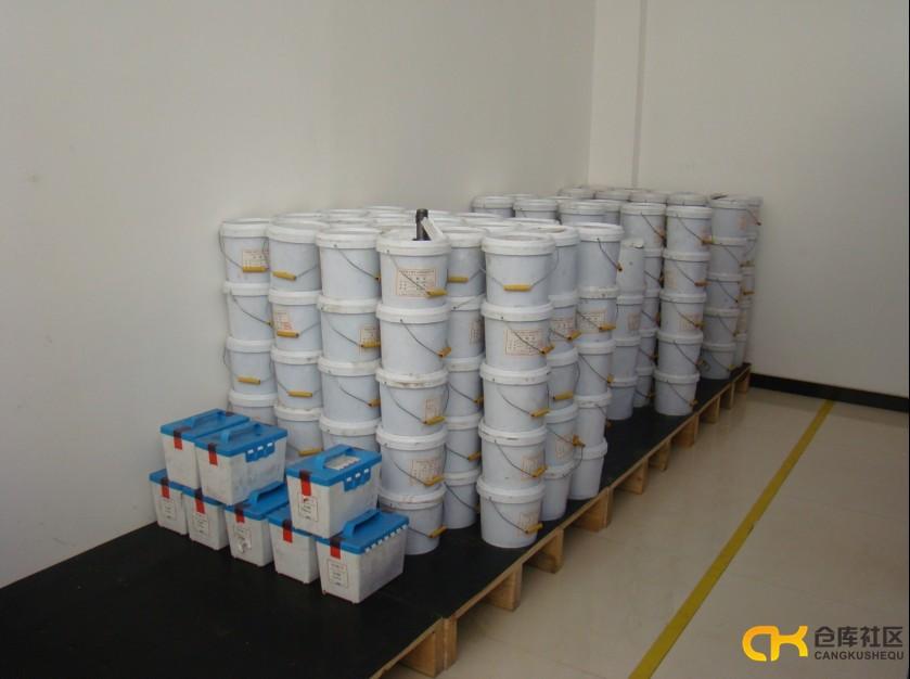 晒晒我们的库房管理,物资摆放实行 五五化 四号定 位管理